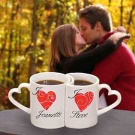 China Unique 300ML love Couples Coffee Mugs With Heart Shape Handle distributor