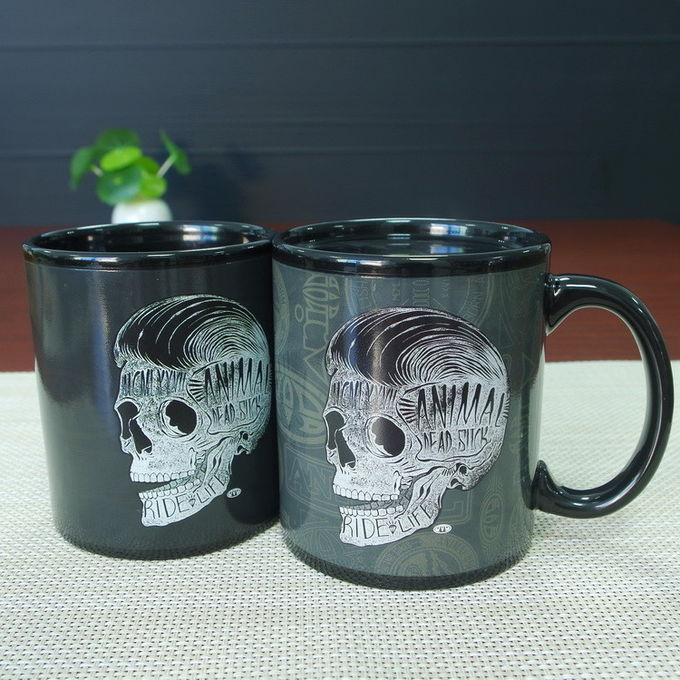Black Glazed Creative Color Changing Coffee Mug With Mask And Dart